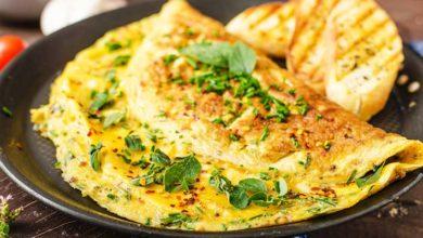 Omelette con Relleno de Queso y Espinaca